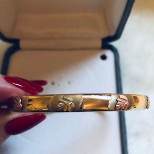 Black Hills Gold Leaf Bangle Bracelet